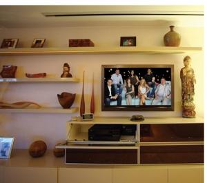"best 2012  TV LCD 46""."
