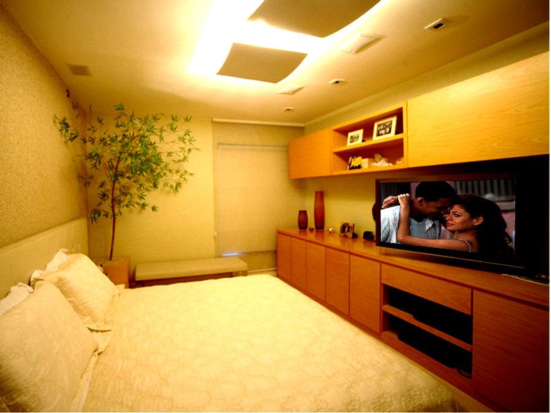 Caixas embutidas, receiver e Blu-ray player proporcionam conforto e qualidade em som e imagem