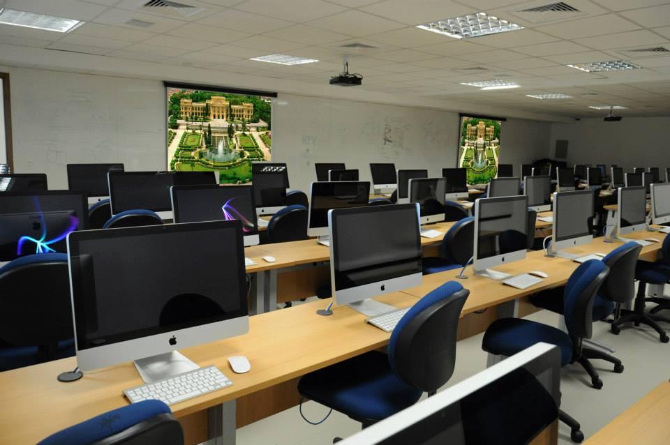 IBEMEC - sala de aula e laboratório com projeção e som2